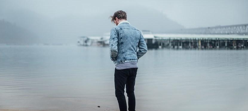10 Señales de que Estás Saliendo con una Persona Emocionalmente Indisponible