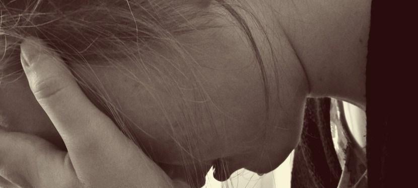 6 Formas en que la Identidad Personal puede ser moldeada por Trauma en la Infancia