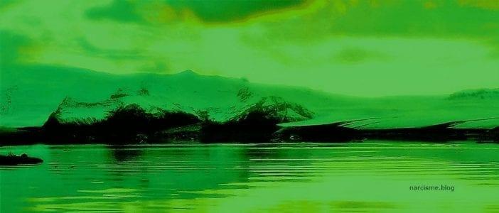 foto van zee landschap in het groen voor narcisme.blog over Creatieve gaven na misbruik narcisme
