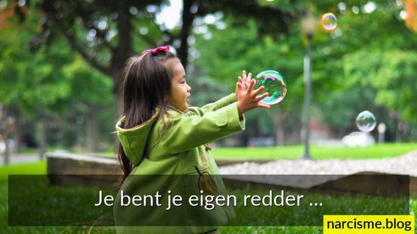 foto van meisje met zeepbel en tekst je bent je eigen redder, ons innerlijke kind