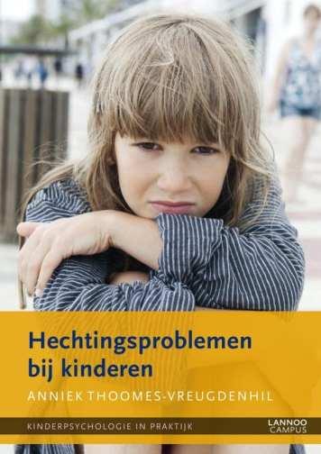 cover van boek meisje met handen gekruist