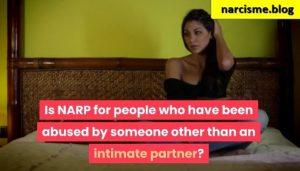 vrouw op bed voor narcisme.blog