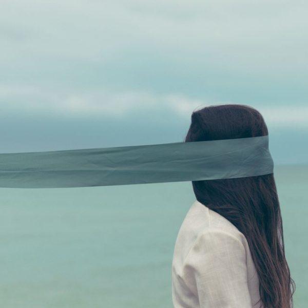 narcissistic trauma bonding blindfolded