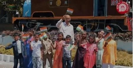 Video: 'मिले सुर मेरा तुम्हारा' गीत का नया संस्करण राष्ट्र को समर्पित