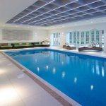 desain kolam renang mewah
