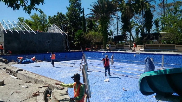 pool making process, installation mosaics / ceramics