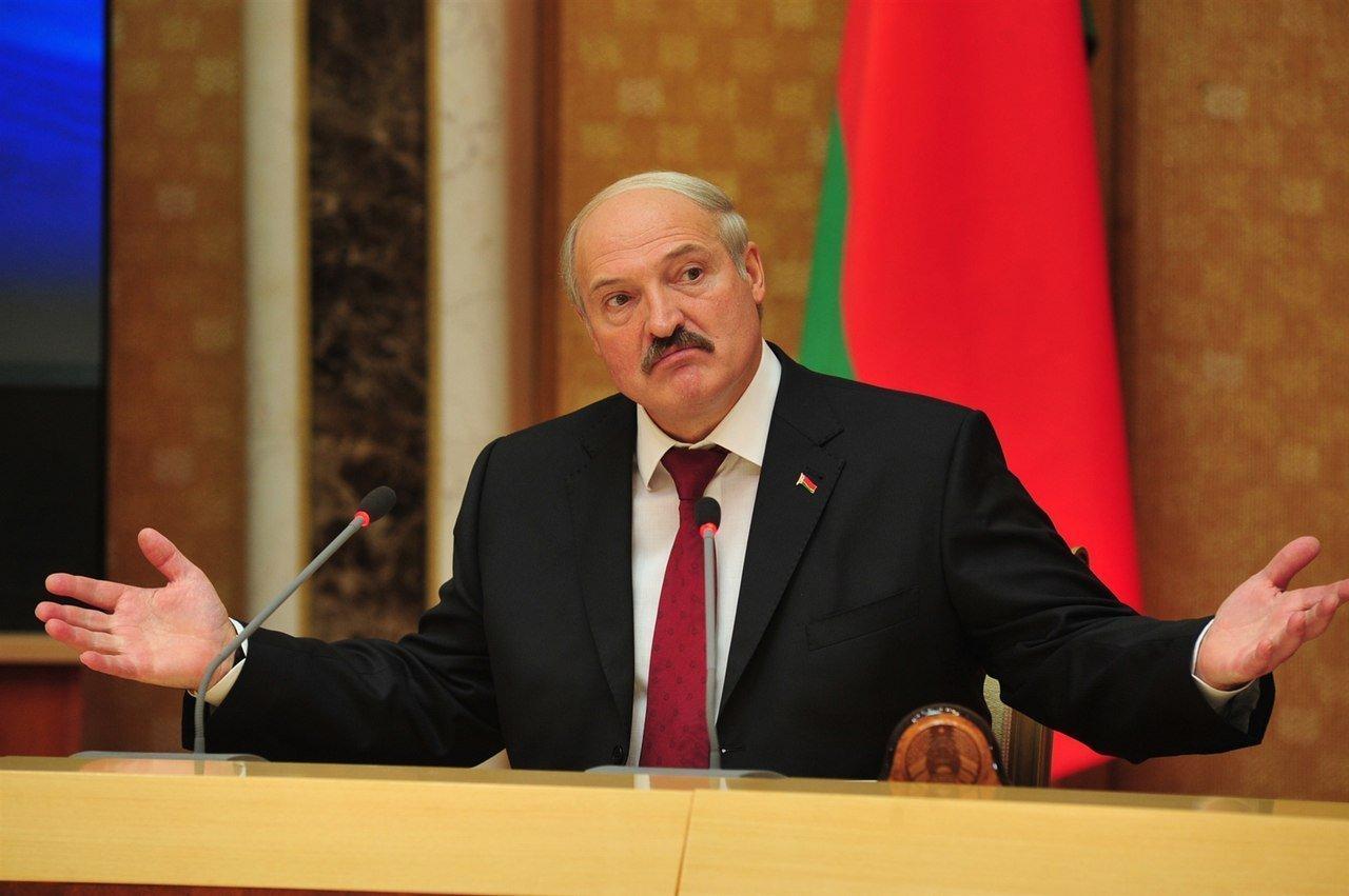 Картинки по запросу Хитрій Лукашенко