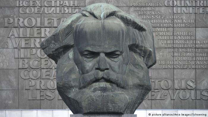 Диего Фузаро : Карл Маркс, ''авет'' која се поново враћа