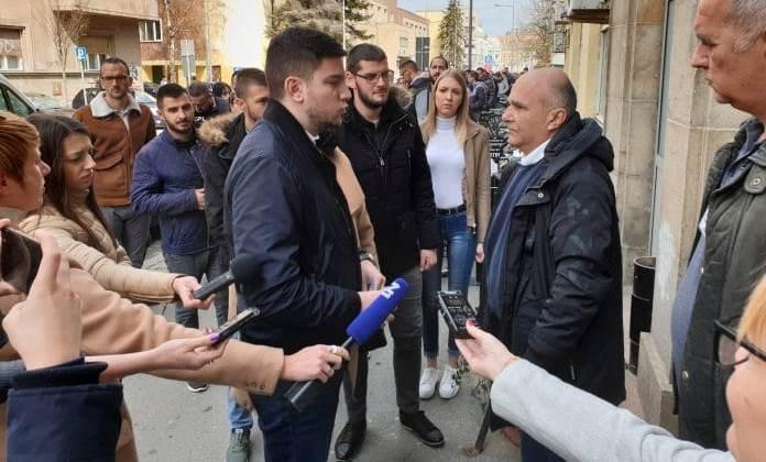 Марко Ђелевић : Вучићеви студенти – инетересна група против својих колега
