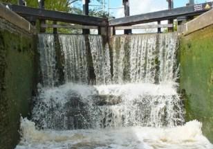 Lock waterfall