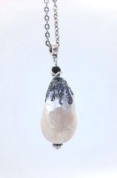 Collar colgante perla