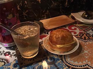 冰火菠蘿油と咸檸七