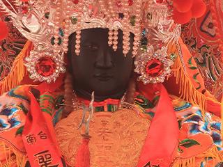 黒面媽祖として有名な海安宮の媽祖
