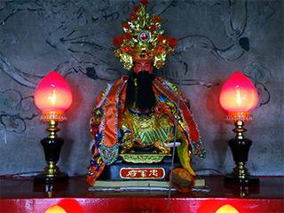 初鹿協天府の日本将軍神像