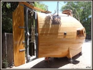 Drewniana łódź podwodna