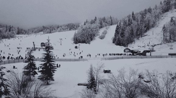 ZA NOVE SKI CENTRE VIŠE OD 100 MILIONA EVRA Crna Gora ulaže u zimski turizam 1