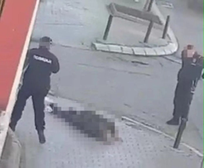 HOROR U KRAGUJEVCU: Jurio prodavačicu nožem pa sebi prerezao vrat 2