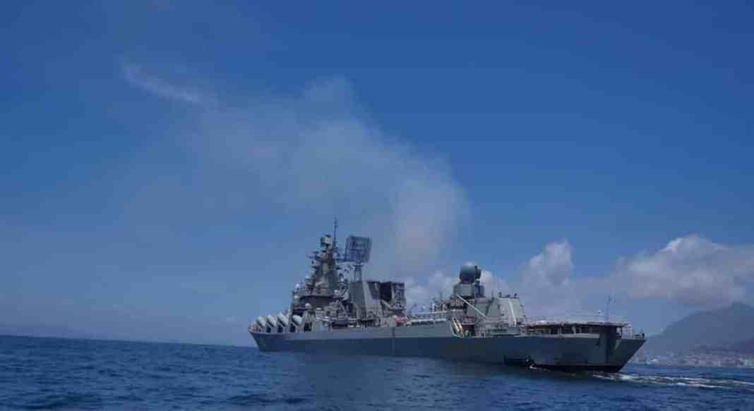 ''S PRAZDNIKOM'' Putin lansirao supersoničnu raketu kod Krima sa ratne krstarice (VIDEO) 1
