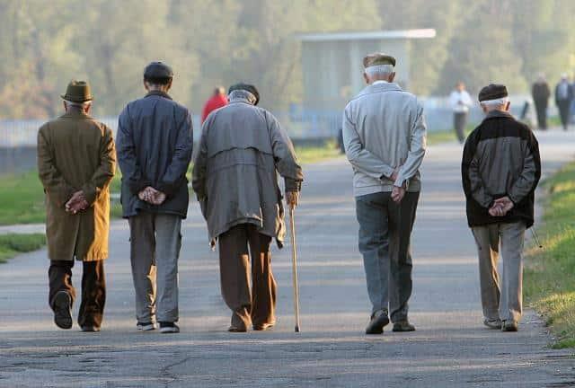 Na ulicama i dalje povećana koncentracija starijih od 65 godina 1