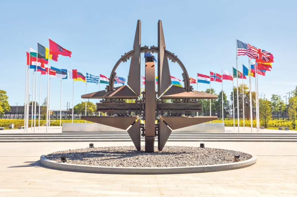 KORONAVIRUS STIGAO I U SEDIŠTE NATO U BRISELU! Alijansa saopštila da je jedan član zaražen! 1