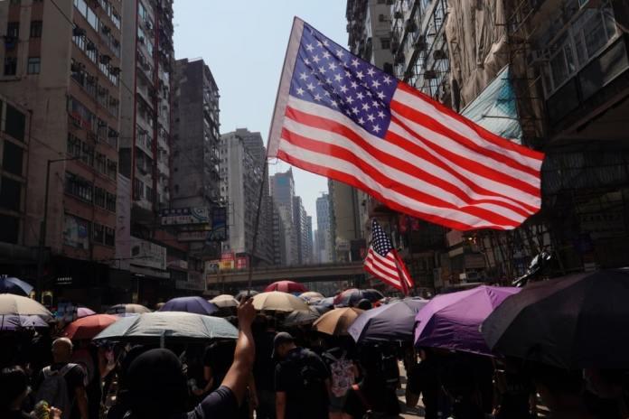 KORONA JE BIZNIS: Kako će američka farmaceutska mafija profitirati od virusa 1