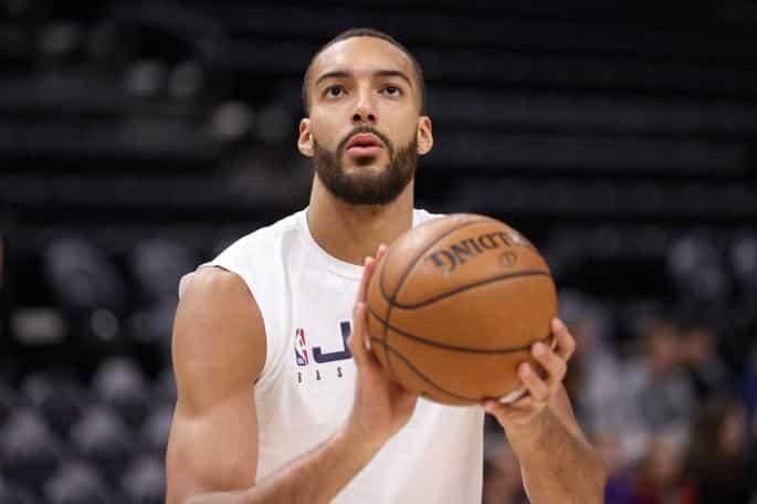 "NBA LIGA SUSPENDOVANA: Gober se rugao ,,Koroni"" pa zatim zarazio sebe i saigrače! (VIDEO) 1"
