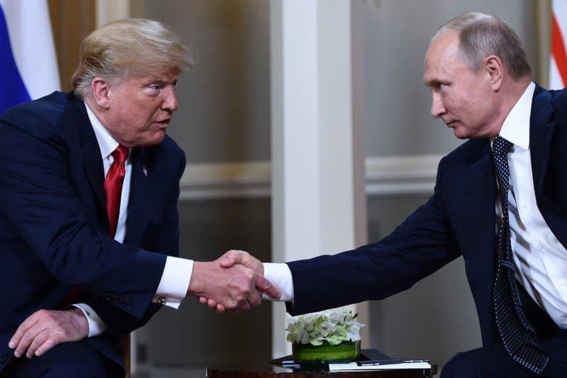 1. PUT TRAMP O RUSKOJ POMOĆI: Veoma lep Putinov gest 1