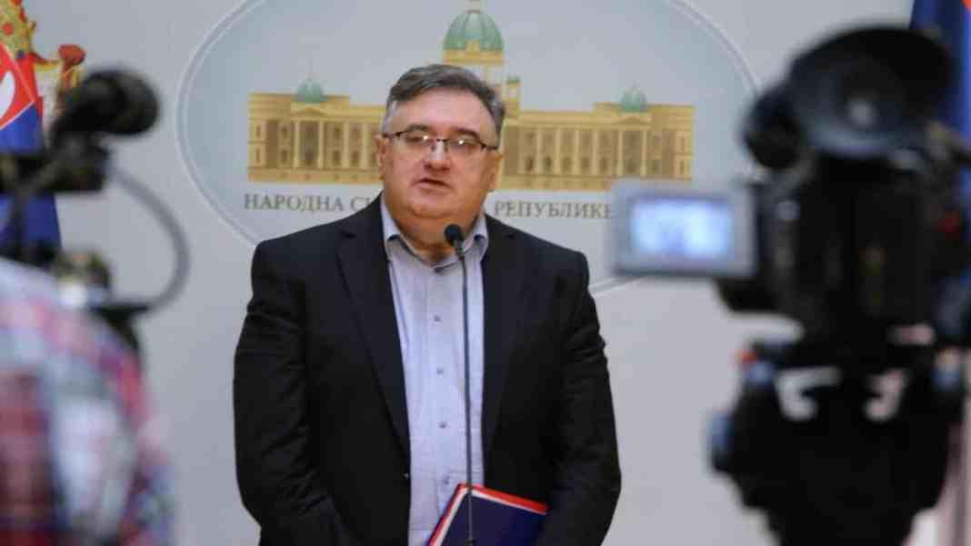 VUKADINOVIĆ: Vučić je daleko od sigurnog trijumfa na predsedničkim izborima! 1