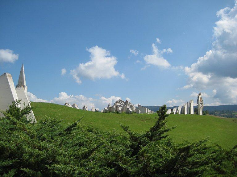 Evropska unija traži uništenje komunističkih spomenika 1