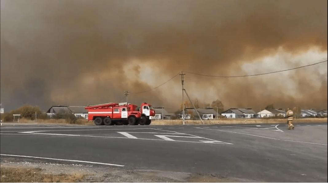(VIDEO)ŽESTOK POŽAR U RUSIJI: Vojna skladišta u plamenu! 1