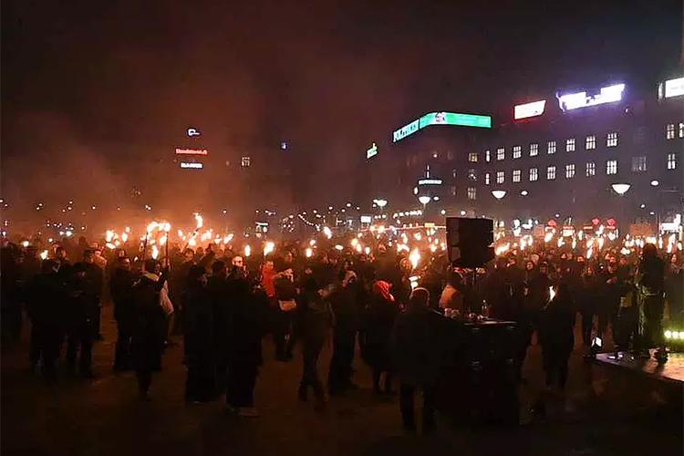 DOSTA KORONA DIKTATURE: Ulice gore, tuku ljude, sukob policije i BESNOG NARODA! 1