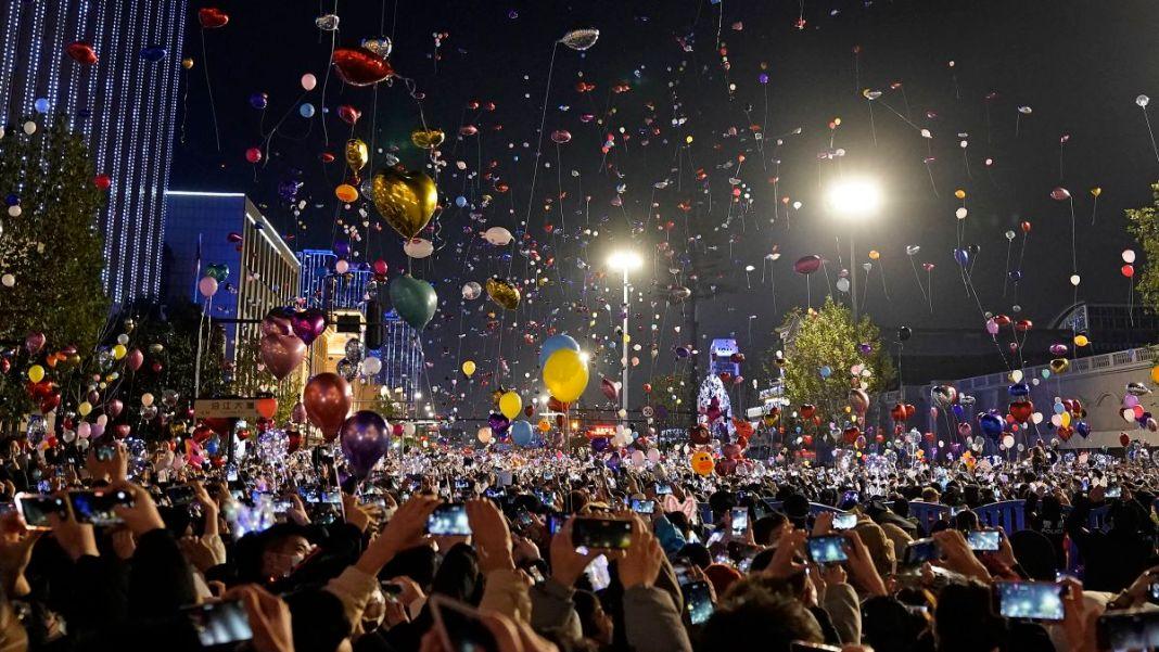 LUDILO: Srbi zaključani kao psi, u Vuhanu se Nova Godina slavi po ulicama! 1