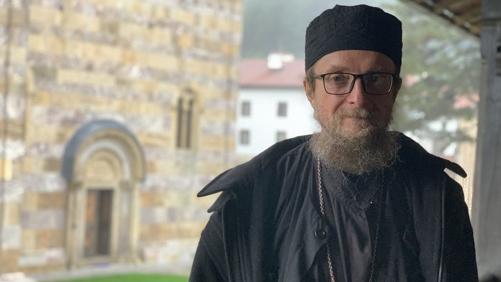 NJUJORK TAJMS: Otac Sava sam protiv ekstremista 5
