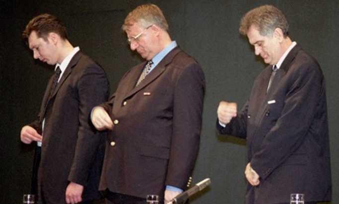 Ne daj bože da te Vučić zagrli 1