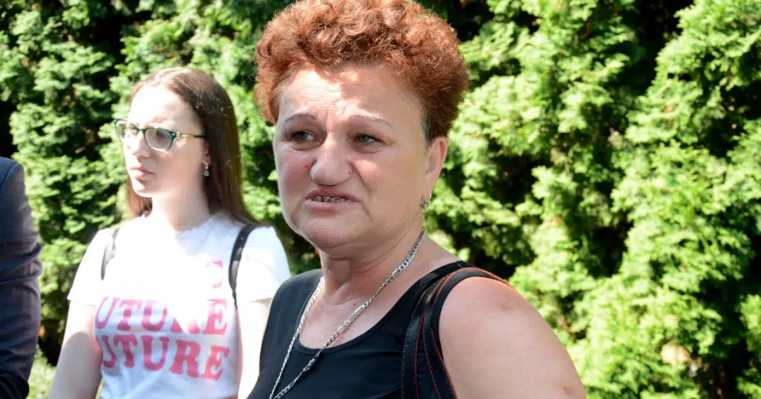 ŠIPTARSKI EKSTREMISTI DIVLJAJU: Obijen i opljačkan stan Dragice Gašić u Đakovici! 1