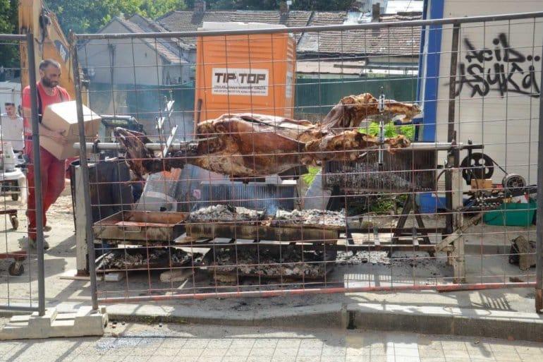 VESELO: Peku vola u centru Beograda! (VIDEO) 1