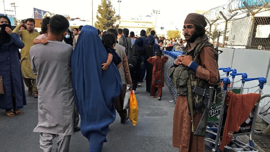 UPUSTVO TALIBANA: Žene, ne idite na posao! 1