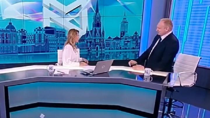 """ĐILAS PROP'O: Vučić doveo svoje ljude da mu """"miniraju"""" gostovanje na TV Nova!? (VIDEO) 1"""