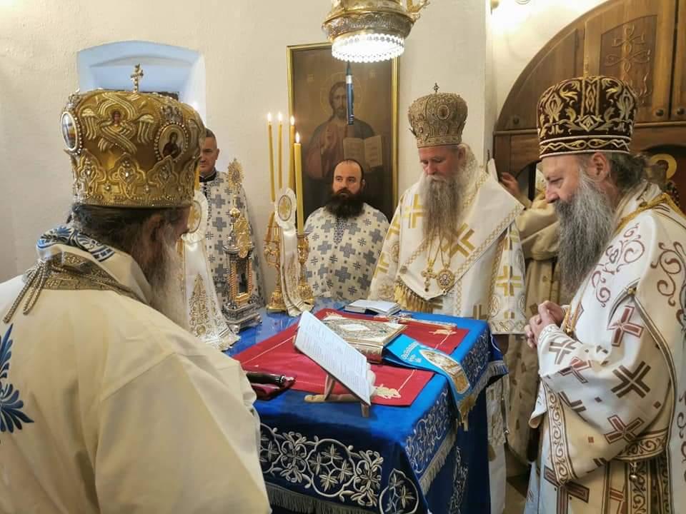 MILOGORCI NA APARATIMA: Ustoličen mitropolit Joanikije u Cetinjskom manastiru 1
