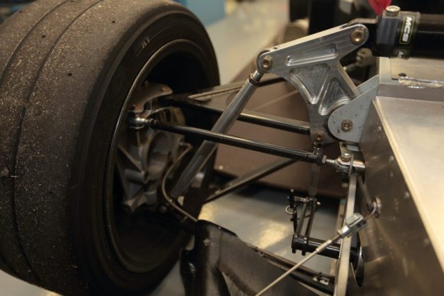 Élan reigned in costs by simplifying parts and machining processes on the suspension and throughout the NP01.
