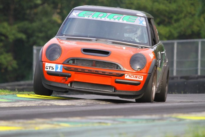 Anthony Zwain drove his 2006 Mini Cooper to a third-place finish in GTS1.