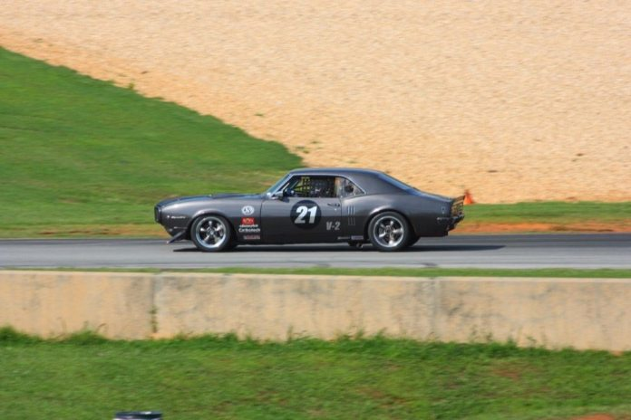 Gordon Slingerland's runs his 1968 Pontiac Firebird in the V2 class. Alert readers will note that is a real, old-school Pontiac engine with aftermarket aluminum cylinder heads.