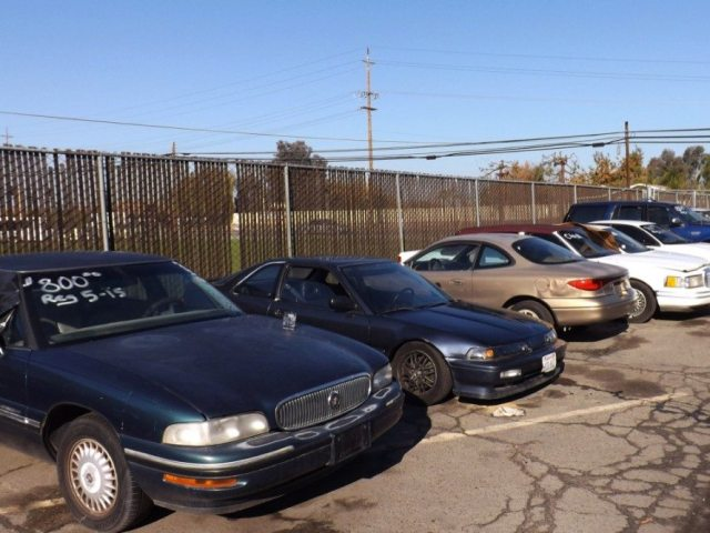 Our diamond in the rough was located at a local tow yard: a fairly straight 1993 Acura Integra RS with no sunroof.