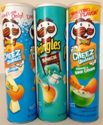 Pringles Dreierlei Käse in blau: White Cheddar, Ranch und Cheddar und Sour Creme.