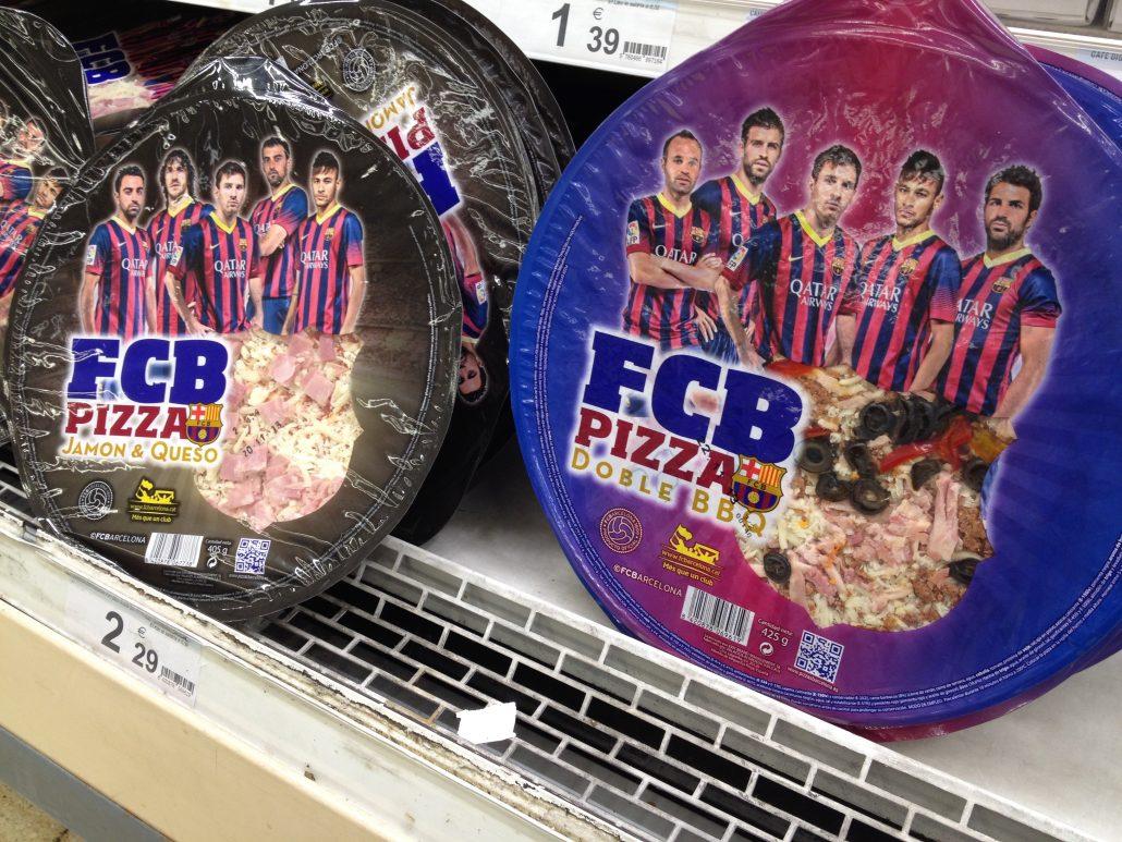 Gekühlte Fertigpizza Fußballmotiv