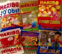 Bei Haribo komme ich zurzeit gar nicht hinterher, die vielen neuen Varianten aufzuführen. Diese sechs sollen veranschaulichen, welche Vielfalt im Fruchtgummi- und Marshmallowsegment zurzeit möglich ist.