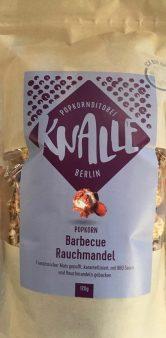Knalle Berlin Popcorn der Marke Barbecue Rauchmandel - letztere habe ich leider nicht so rausgeschmeckt.