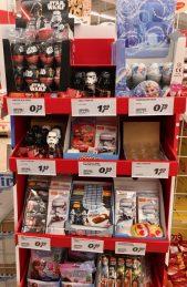 Etwas verkramt und kleinteilig: Der Aufsteller von IFC Berlin, der hier Disney-Lizenzen vermarktet.