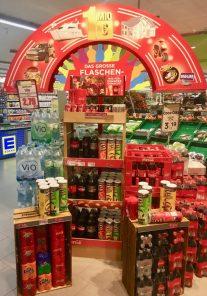 Aufsteller Display Zweitplatzierung Coca Cola und Pringles