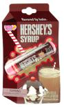 """Der leckere, knallsüße, tiefschokoladige Hershey's Sirup in den dunkelbraunen Plastikflaschen dürfte bei den Lesern meines Blogs bekannt sien. Dazu passend empfehle ich die Lippenpflege von Hershey's der Sorte """"Syrup""""."""